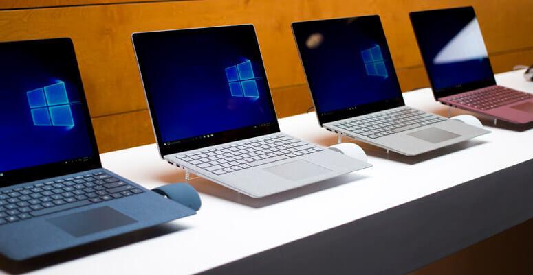 Surface Laptop em suas quatro cores.
